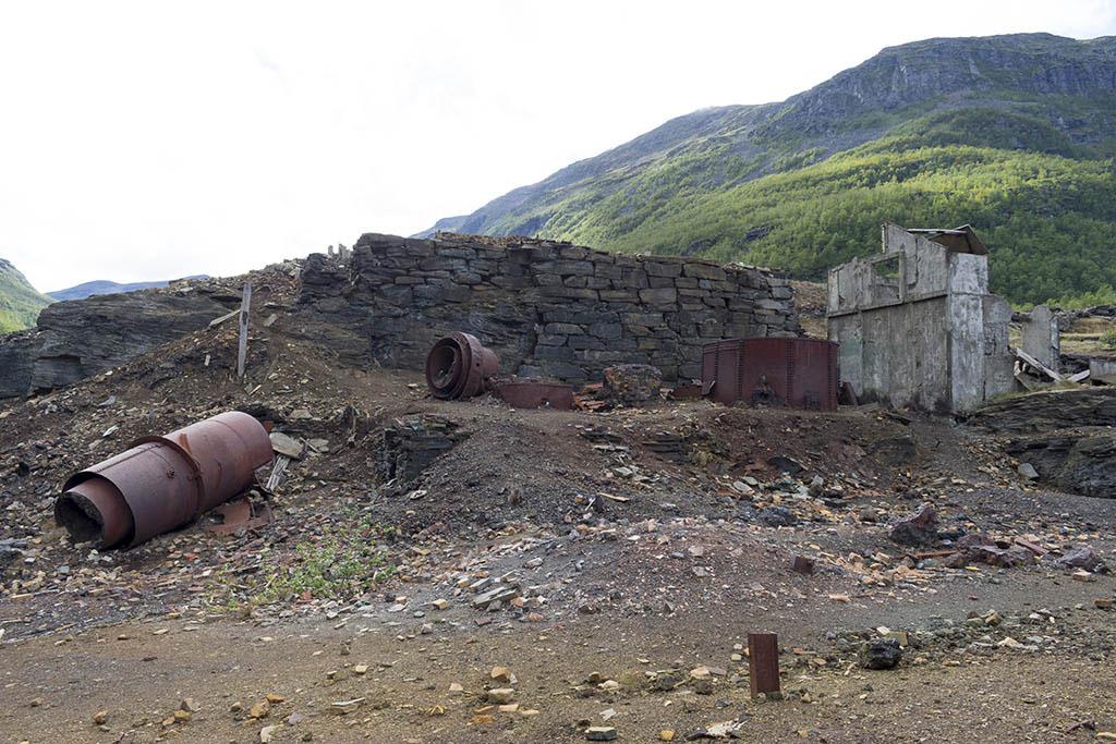 Ankerlia: ruderi della fornace della miniera