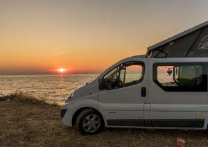 Van in Croazia al tramonto